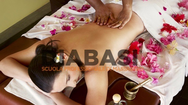 Corso massaggio thailandese Bologna