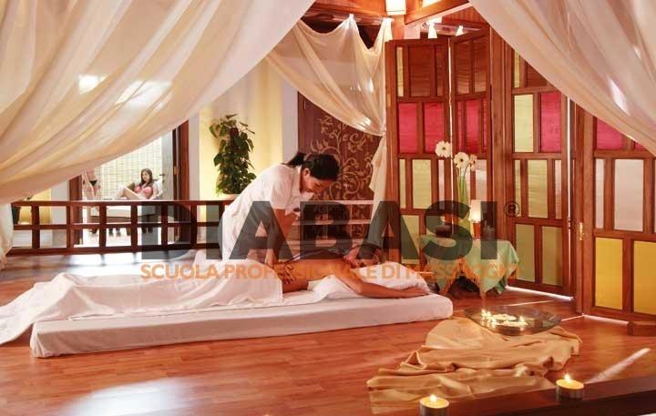 Corso massaggio thailandese Lecco